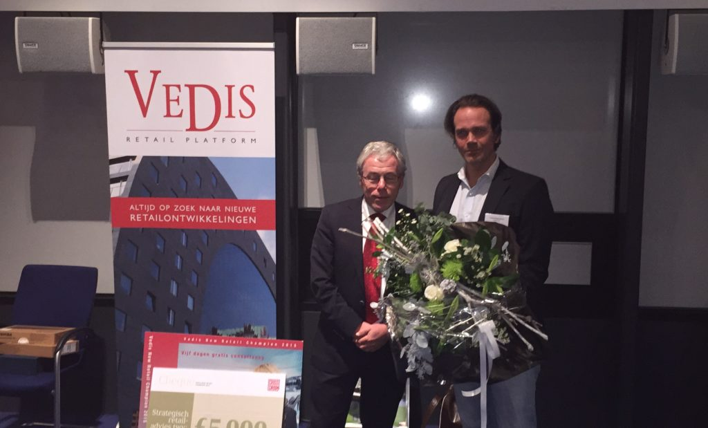 VEDIS New Retail Champion 'Fanfiber' wint Crossmarks cheque van €5.000,-!